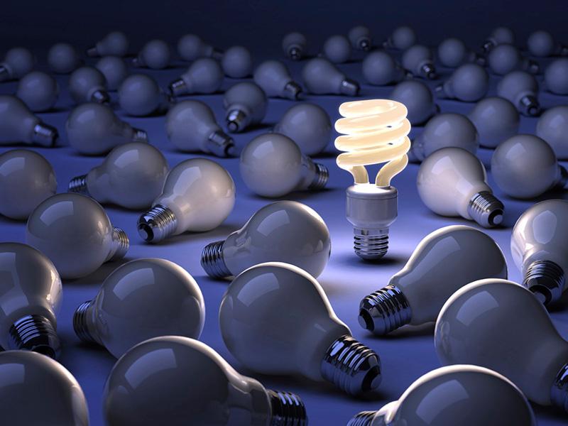La palabra innovación por la cabeza creativa de ACE Publicidad